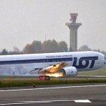 タデウシュヴロナのポーランド航空機の胴体着陸動画!原因や経緯は?車輪が出ない!【Wiki】