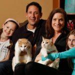 オジーとバター|カップルの飼い猫が兄弟!奇跡の再会!離れた理由やデートアプリの名前は?【猫の恩返し】