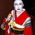 鈴木浩子の夫KENSOや子供、経歴(Wiki・学歴)や今現在の年収、ゲイシャガール画像は?【結婚したら人生激変】