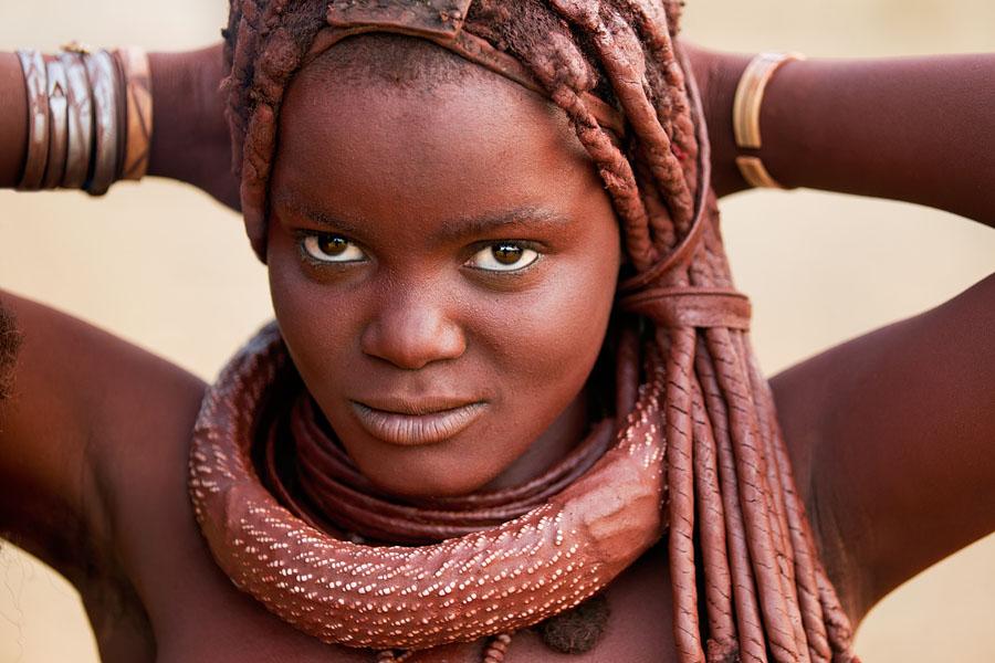 ヒンバ族の女性の髪型・臭い・風呂は?男性は何してる?結婚や言語は?