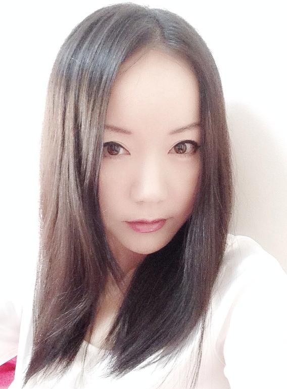 八尋インミャオ(中国)のWiki経歴(学歴・職業)や画像、結婚や彼氏は?語学教師でモデル?