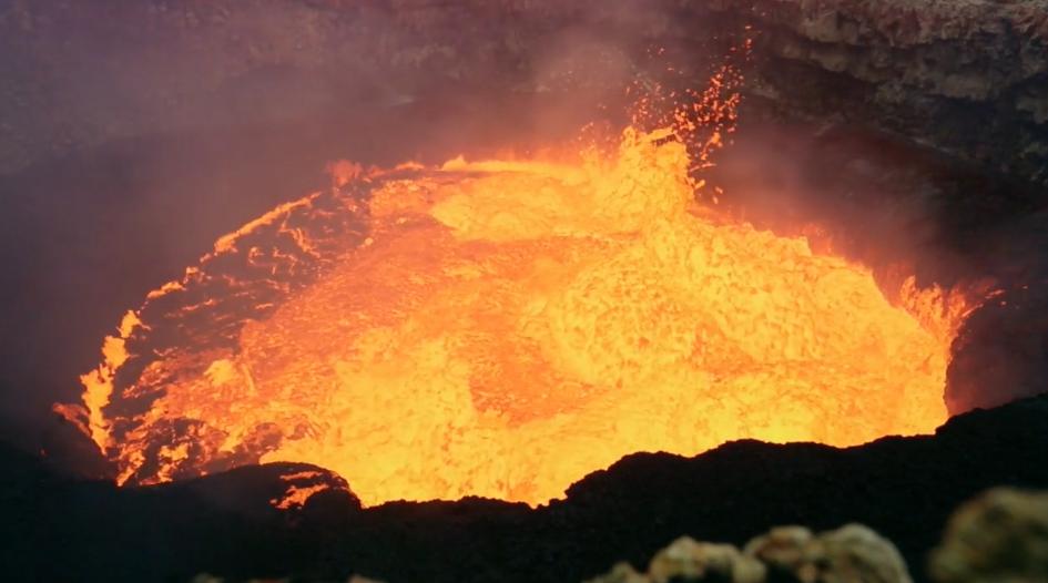 マルム火山(バヌアツ)の画像や場所は?タッキーも挑戦した?