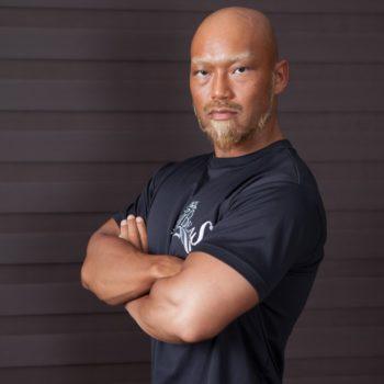 ビースト村山(武田真治トレーナー)の筋肉や本名・経歴、プロテインやジム・トレーニング方法は?